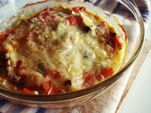 Αποτέλεσμα εικόνας για Μελιτζάνες φούρνου με σάλτσα ντομάτας ζαμπόν και τυριά