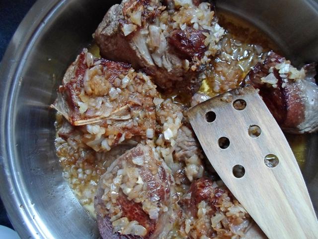 Μοσχαράκι με Μπάμιες Συνταγή