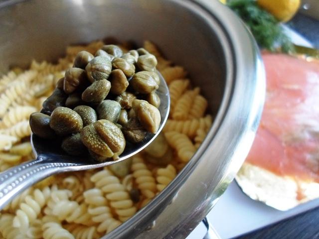 Συνταγή για Κρύα Σαλάτα με Ζυμαρικά