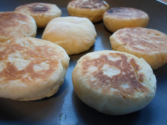 English Muffins Συνταγή
