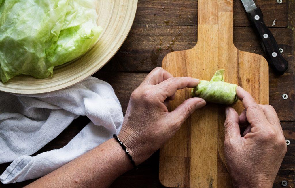 Λαχανοντολμάδες συνταγές με κιμά και ρύζι