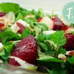 Σαλάτα με Ρόκα, Μανούρι, Φράουλες και Εστραγκόν