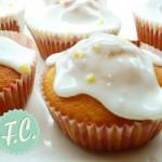 Cupcakes με Λικέρ Αμαρέτο και Γλάσο Λεμόνι