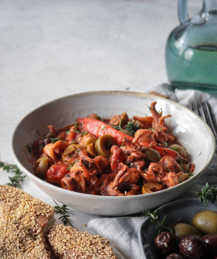 Συνταγές για Καλαμαράκια με Ελιές