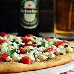 Πίτσα με Φέτα, Ελιά και Μπύρα Heineken