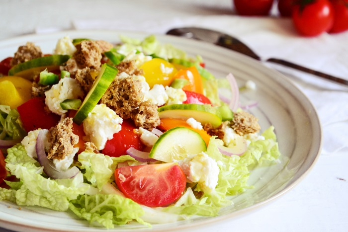 Συνταγές για Σαλάτα με Μυζήθρα