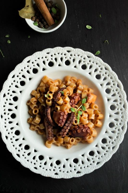 Συνταγές Χταπόδι με Κοφτό Μακαρονάκι