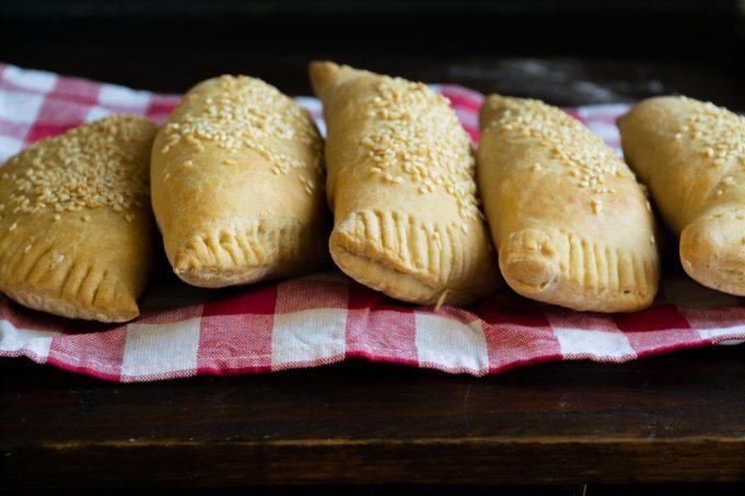 Πίτες με Κιμά και Μελιτζάνες