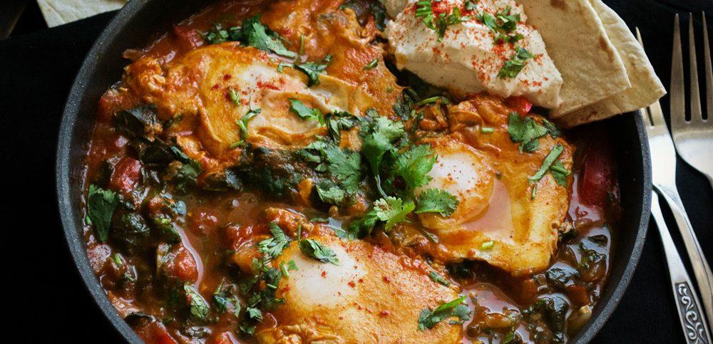 Σπανάκι με Αυγά σε Σάλτσα Ντομάτας