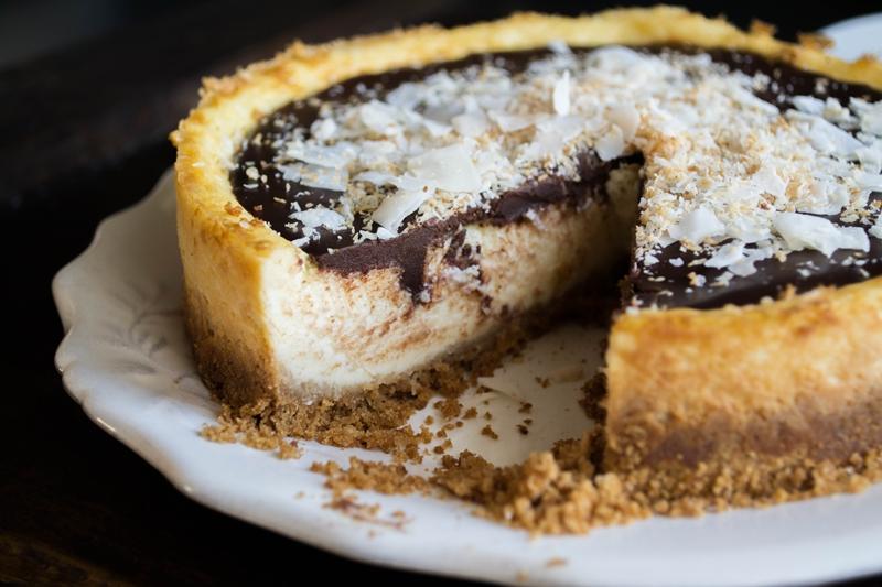 Cheesecake με Σοκολάτα και Καρύδα