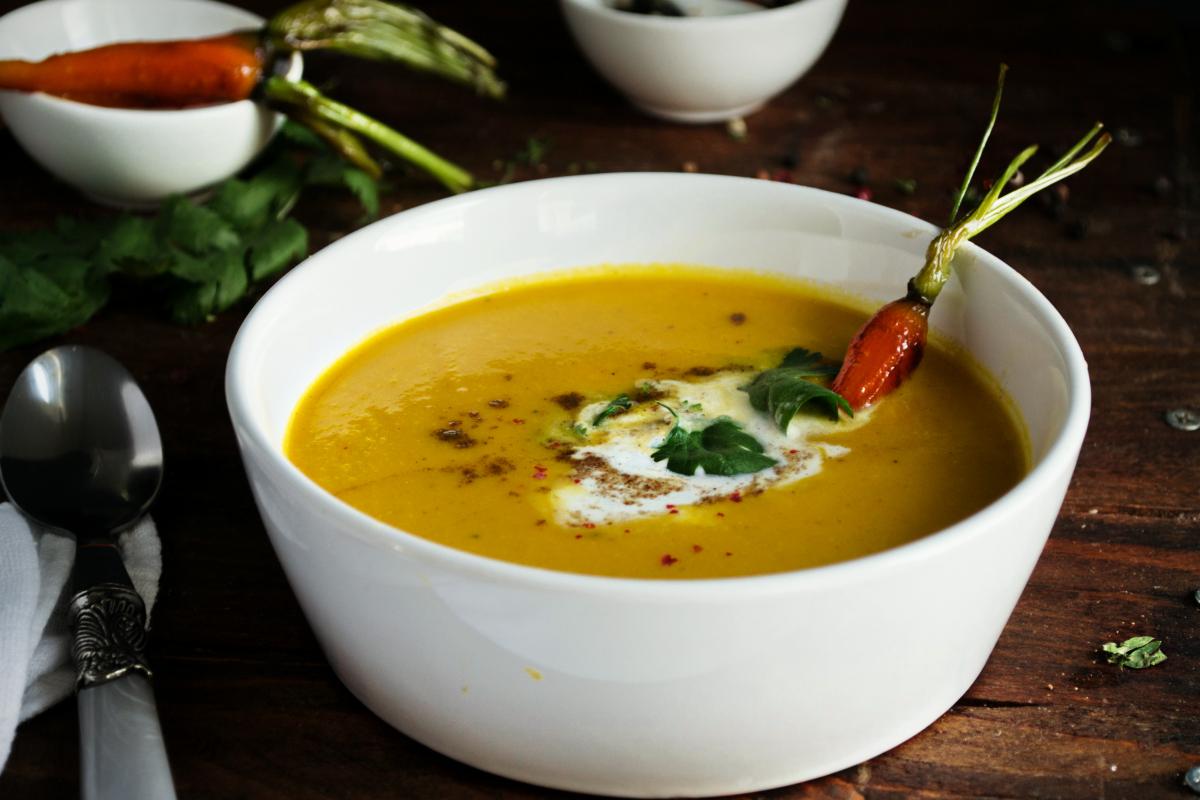 Σούπα με Καρότο, Καρύδα και Μπαχαρικά