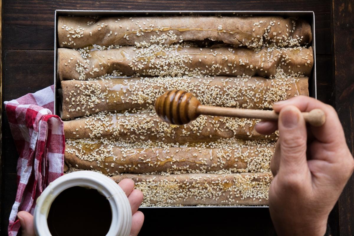 Πίτα με Φύλλο Ολικής Άλεσης, Ανθότυρο και Μέλι Συνταγή
