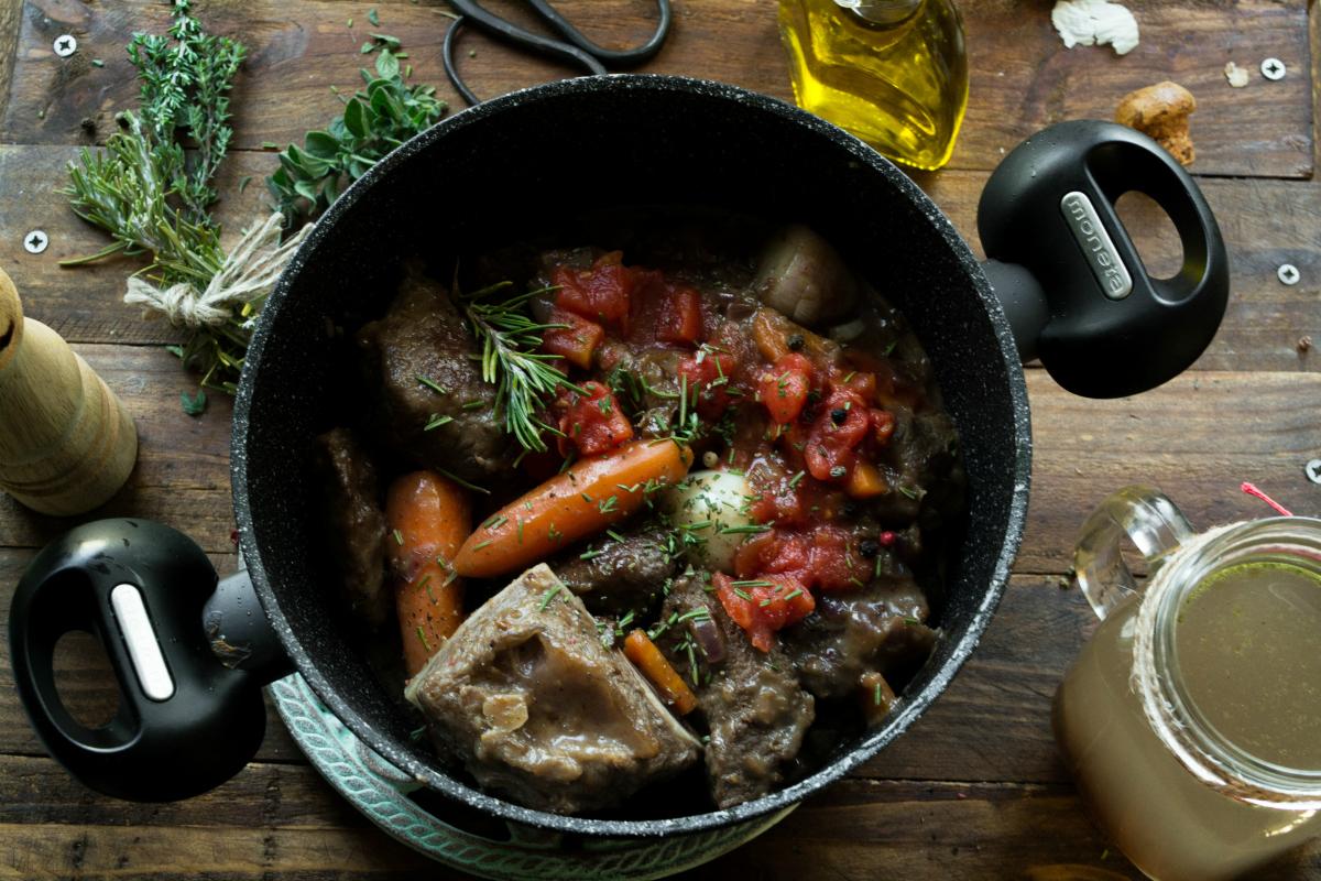 Συνταγές για Μοσχαράκι Κοκκινιστό Ραγού