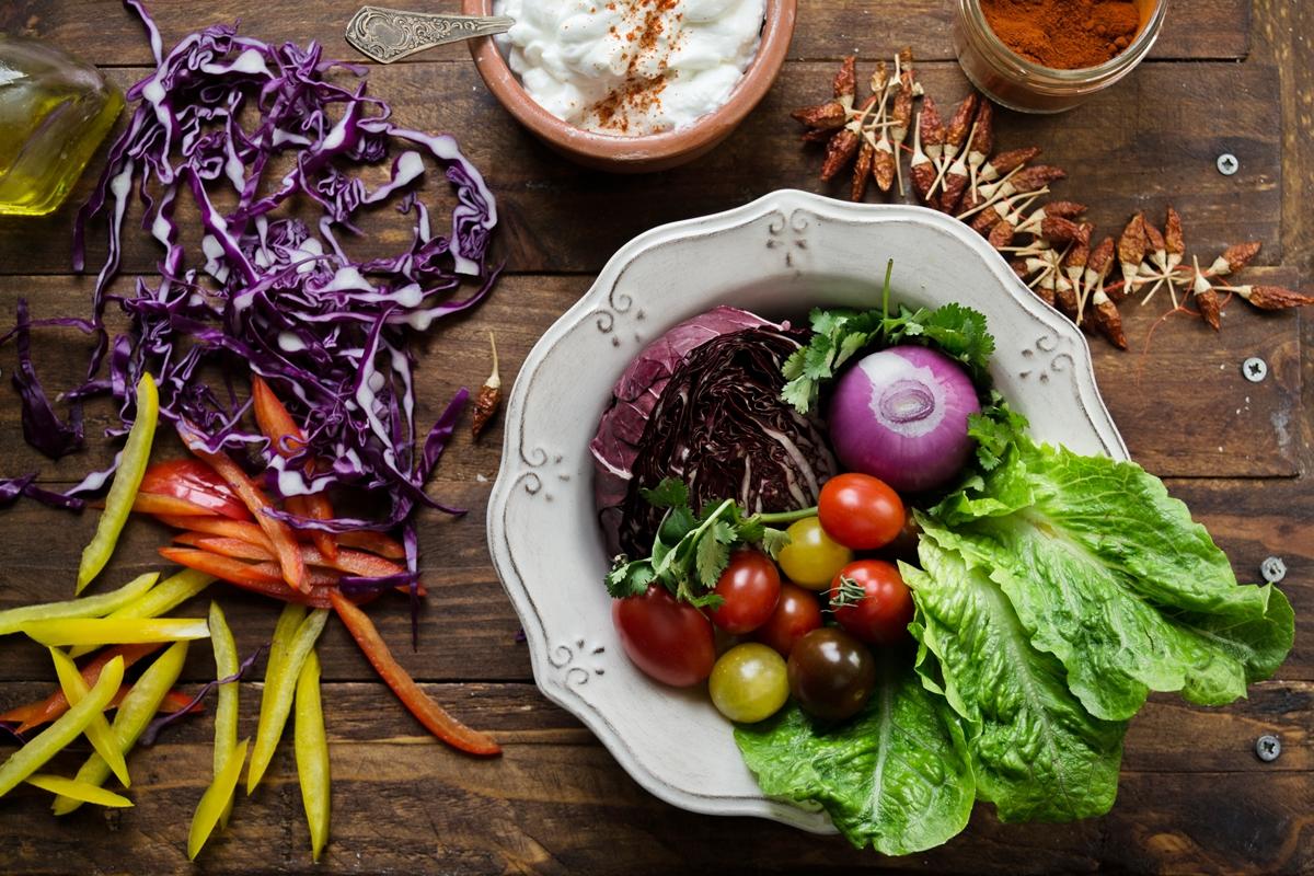 Πολύχρωμα Λαχανικά για Συνταγή Λαχματζούν