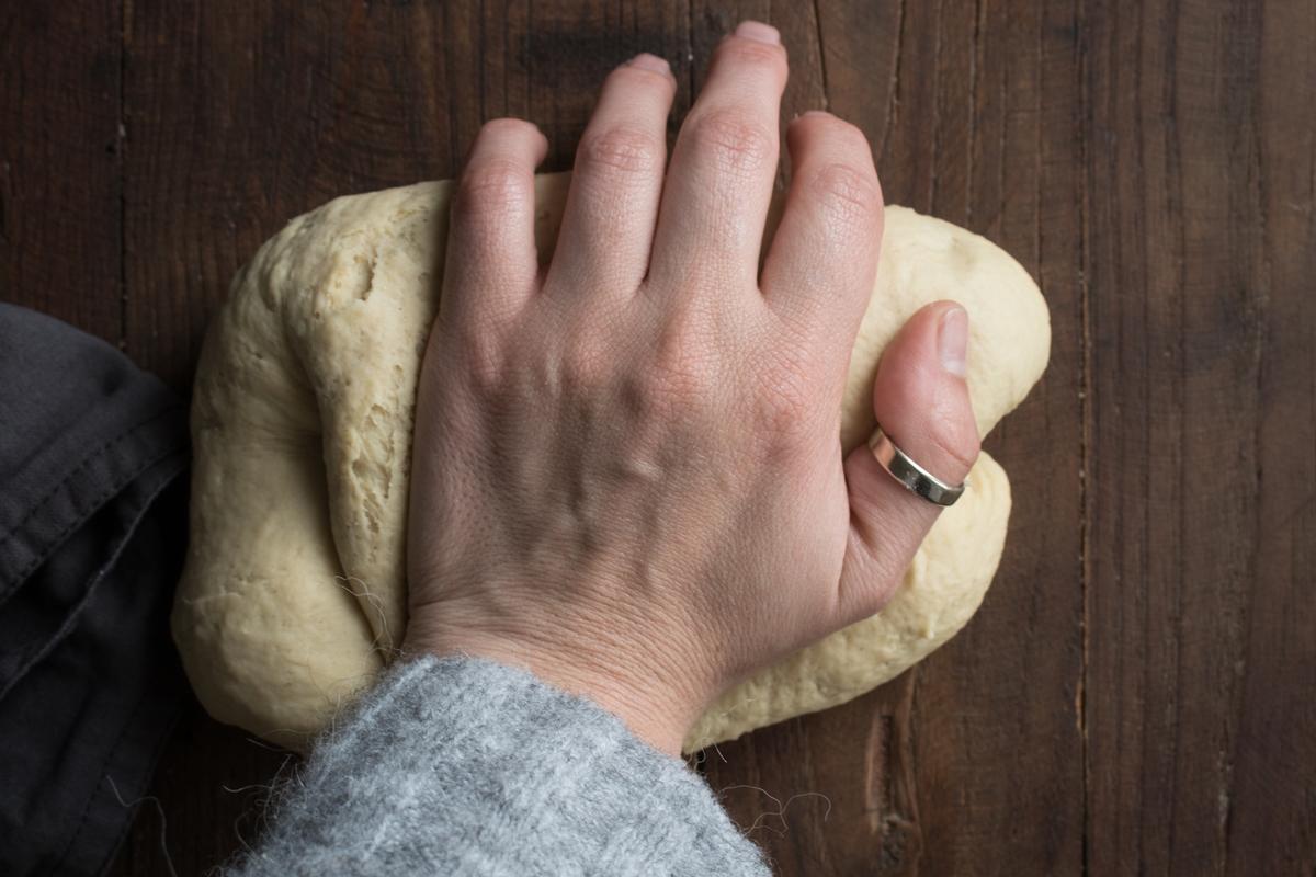 Πώς Ζυμώνουμε το Ψωμί