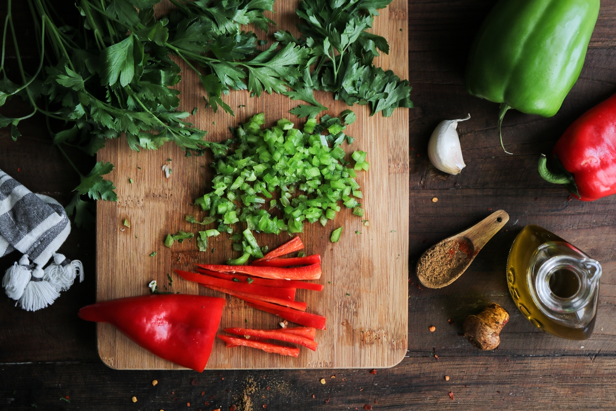 Λαχματζούν Συνταγή για Κιμά, Πιπεριές και Μαϊντανός
