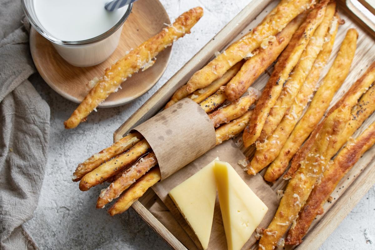 Κριτσίνια με Τυρί Gouda, Καρότο και Ταχίνι