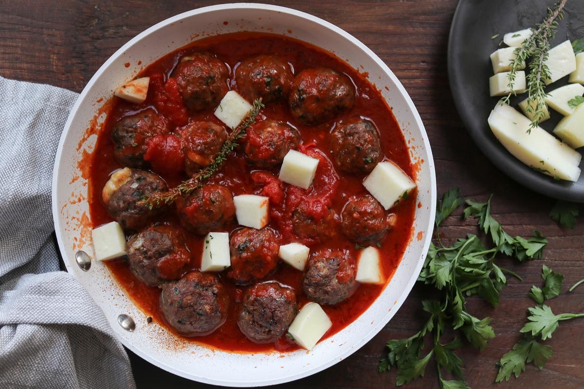 Συνταγή για Κεφτεδάκια Κοκκινιστά στο Φούρνο