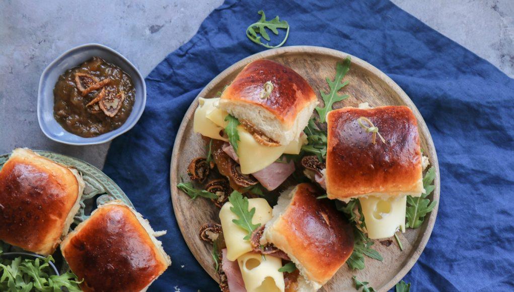 Σάντουιτς με Γαλατένιο Ψωμί, Gouda