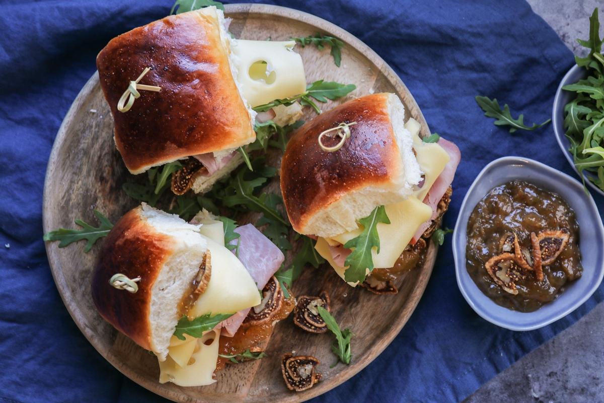 Συνταγές για Σάντουιτς με Gouda Ξερά ΣύκαΣυνταγές για Σάντουιτς με Gouda Ξερά Σύκα