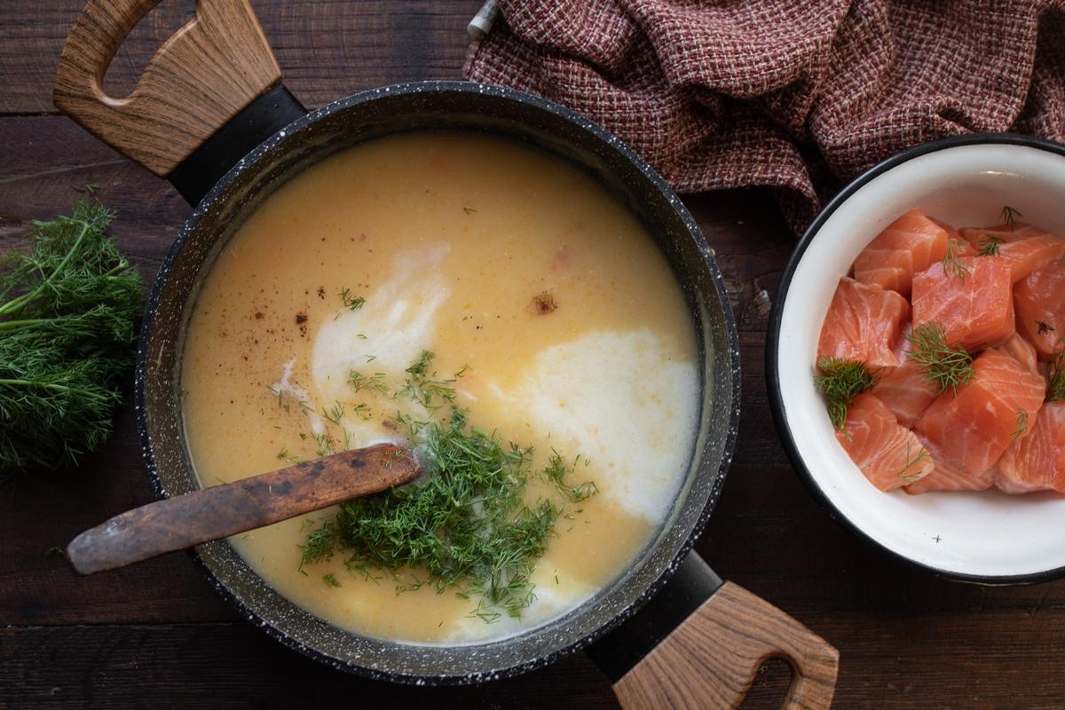 Συνταγή για Σούπα με Σολομό