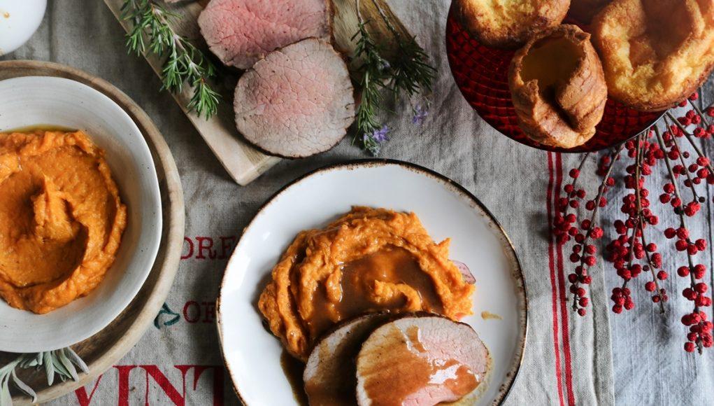Roast Beef με Πουρέ από Γλυκοπατάτες και Σάλτσα Ψητού
