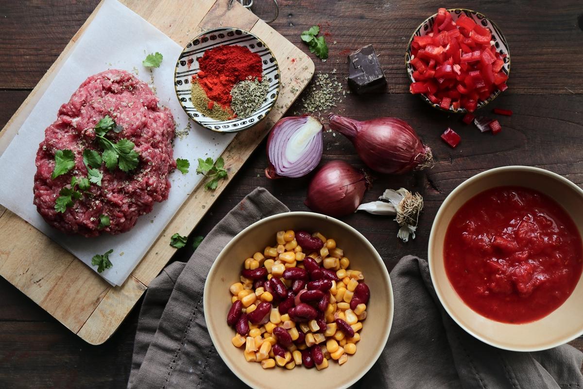 Συνταγές για Τσίλι Κον Κάρνε με Κιμά