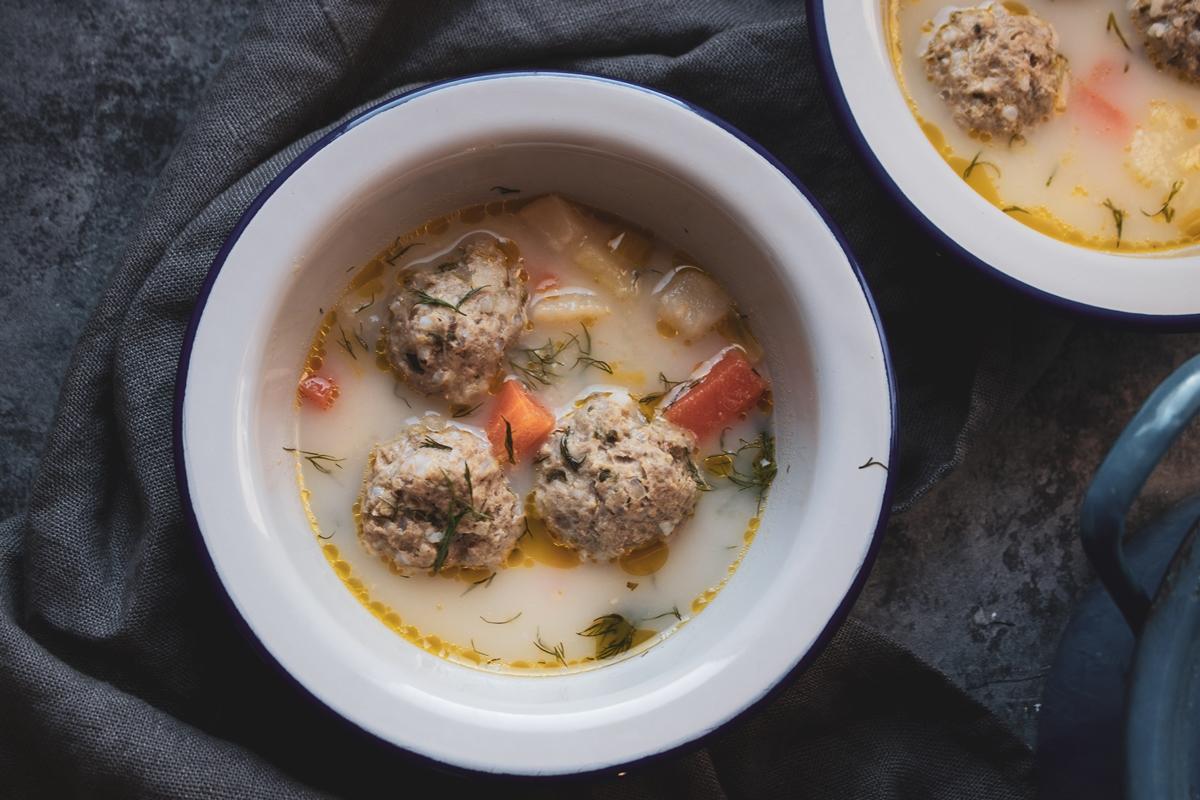 Γιουβαρλάκια_Yiouvarlaia_ Greek Soup
