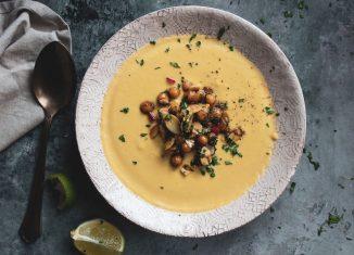 Σούπα Βελουτέ με Κουνουπίδι και Ρεβύθια