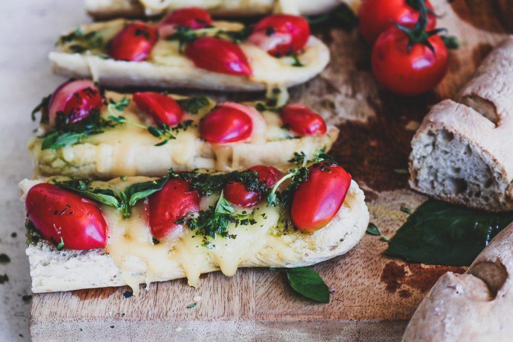 Συνταγές με γκούντα και ντοματίνια