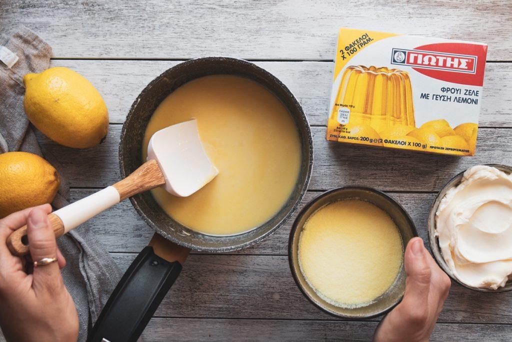 Συνταγή για Τσιζ κέικ με φρουί ζελέ λεμόνι