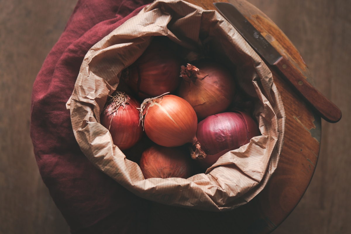 Συνταγές με λευκά κρεμμύδια