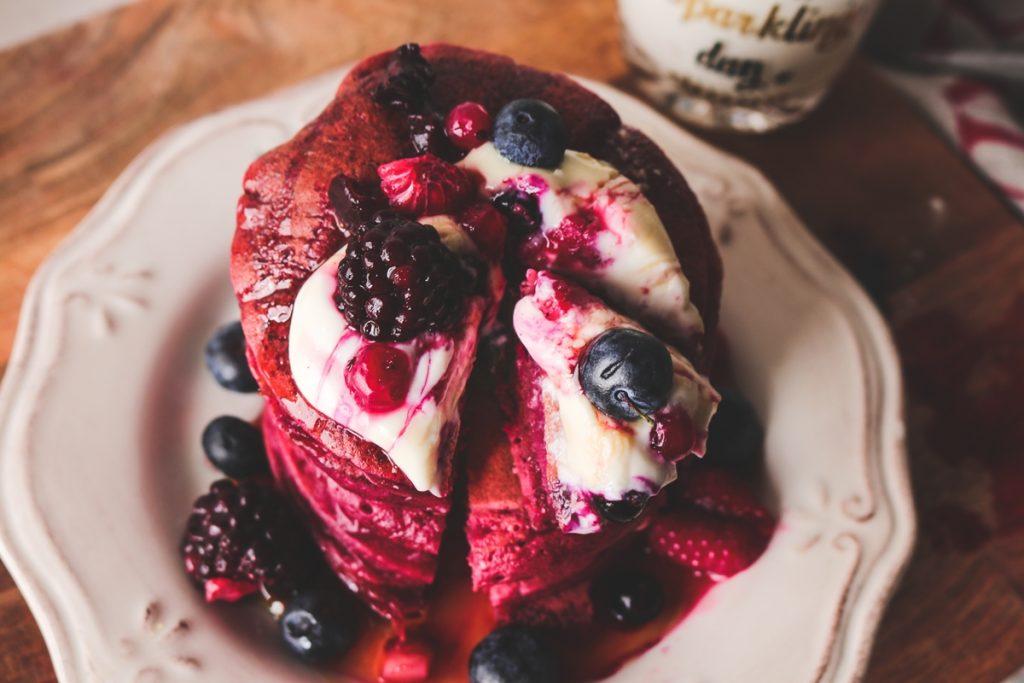 Συνταγές pancakes red velvet με γιαούρτι