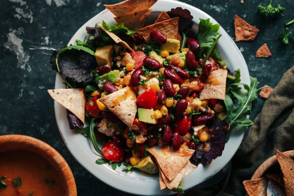Συνταγές για κόκκινα φασόλια σαλάτα και αβοκάντο