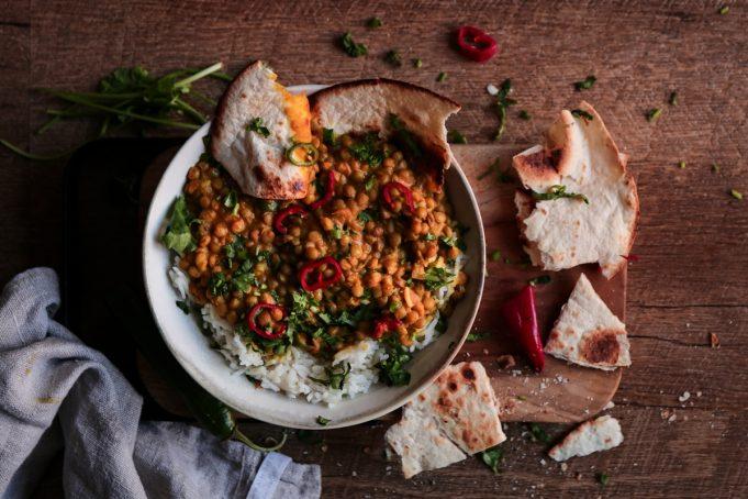 Curry με φακές και ρύζι μπασμάτι