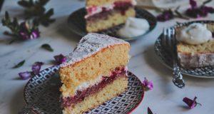 Sponge Cake με μαρμελάδα φράουλα (Βικτώρια Κέικ)
