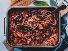 Χταποδομακαρονάδα με σπαγγετίνι στο φούρνο