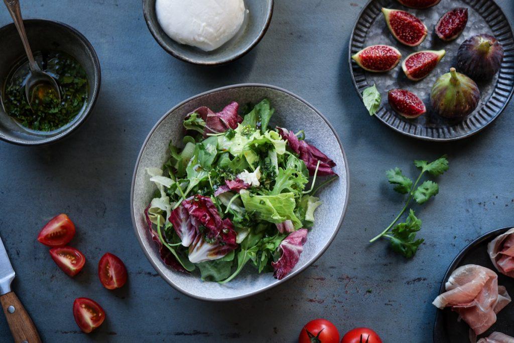 Πράσινη σαλάτα με φρούτα συνταγές _ Salad and figs