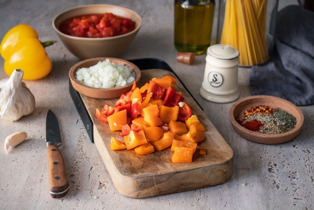 Συνταγές με πιπεριές, ελιές και φέτα για ζυμαρικά