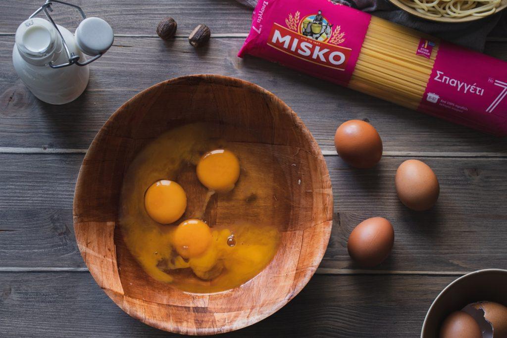 Συνταγές για μακαρονόπιτα, συνταγή με αυγά