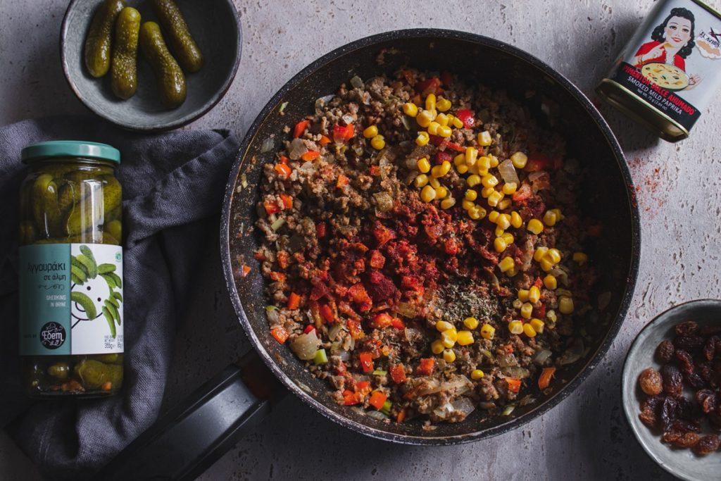 Συνταγές με κιμά και αγγουράκι τουρσί
