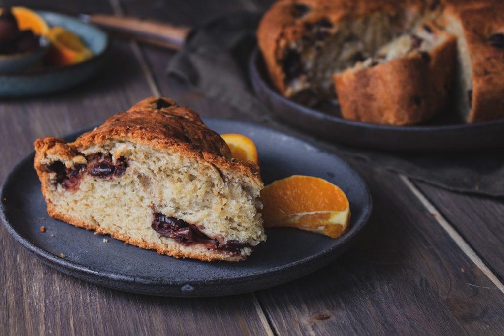Συνταγή για αφράτο ελιόψωμο_ψωμί με ελιές Καλαμών και μυρωδικά