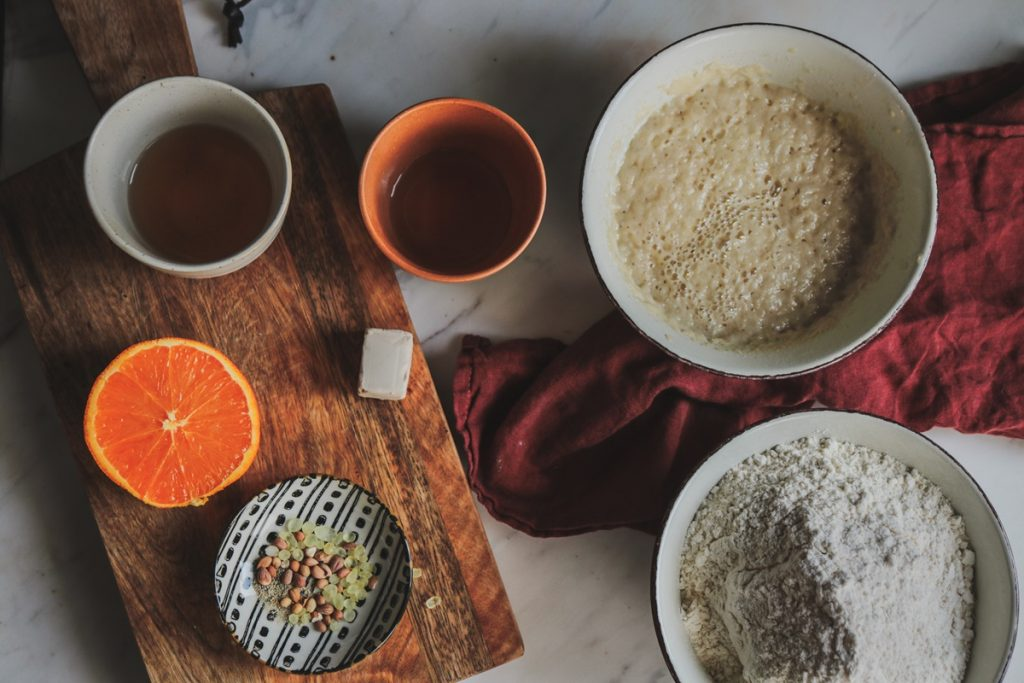 Συνταγή για vegan τσουρέκι με πορτοκάλι