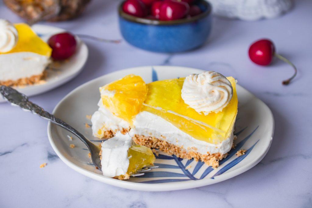 cheesecake ψυγείου με καρύδα και ανανά PINA COLADA