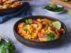 Πικάντικη μακαρονάδα με γαρίδες, καλαμπόκι και κρέμα καρύδας